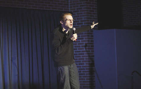 Comedian entertains and educates