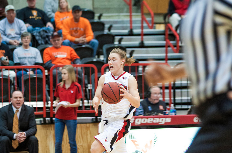 Lexie Nelson scored seven points in overtime and 24 total on 7-of-10 shooting