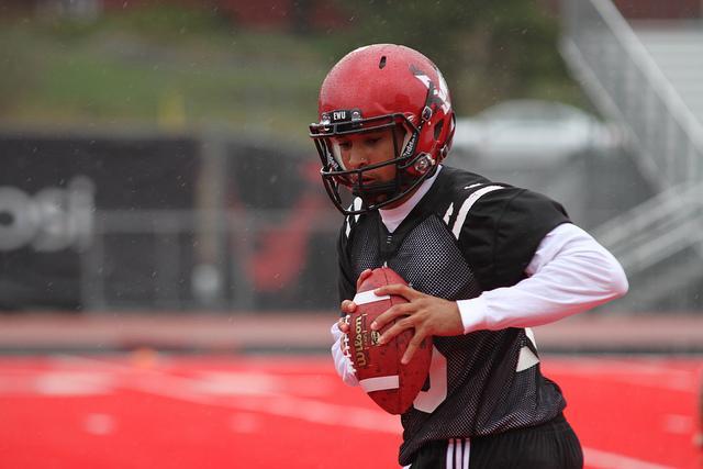 Quarterback Vernon Adams at practice