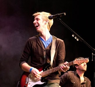 'Glee' guitarist discusses his 'Take Chances' tour