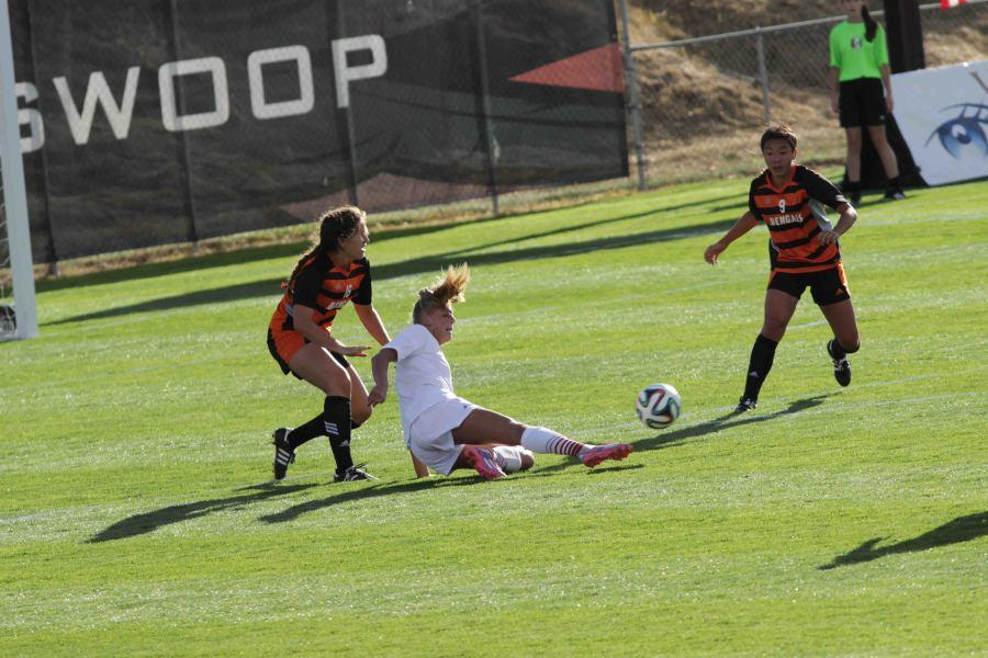 Savannah Hoekstra dives for the ball during the match against Idaho State on Sept. 28.