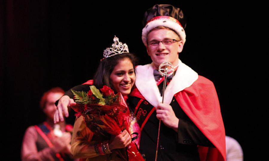 Sapna+Basy%2C+sophomore%2C+was+crowned+Ms.+Eastern+alongside+Bryce+Dressler%2C+sophomore%2C+who+was+crowned+Mr.+Eastern+on+Oct.+27.