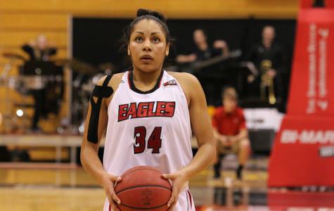 Jade Redmon preparing to take a free throw shot.