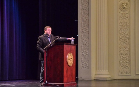 Tim Wise addresses issues of racial injustice in US
