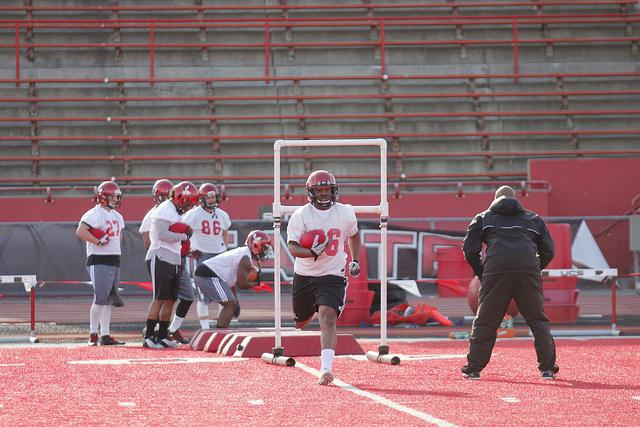 EWU tight ends running drills before the scrimmage