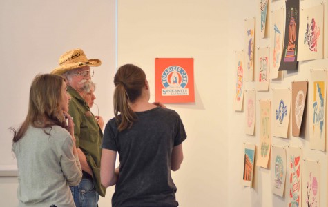 EWU VCD students and Cheney residents discuss the artwork.