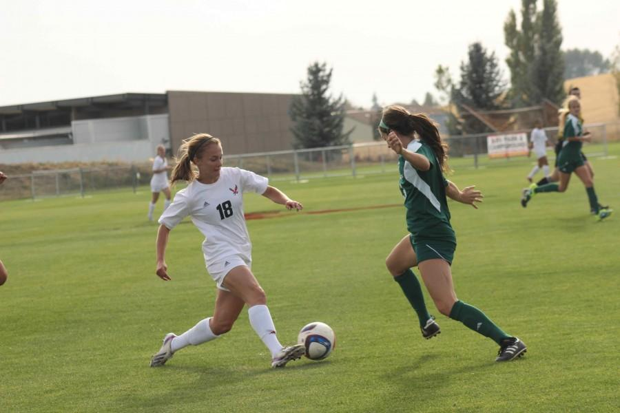 Alexis Stephenson going for the goal.