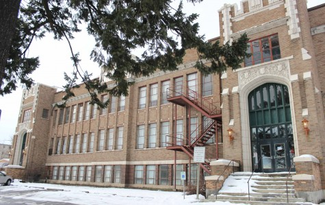 Cheney community members plan to remodel old high school into lofts