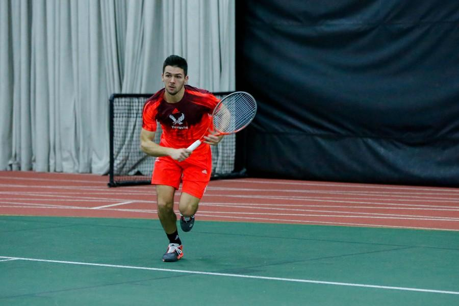 Men and womens tennis keep rolling