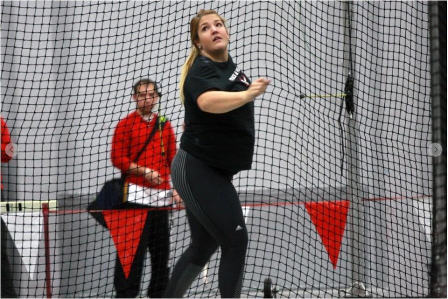 Women's track opens outdoor season