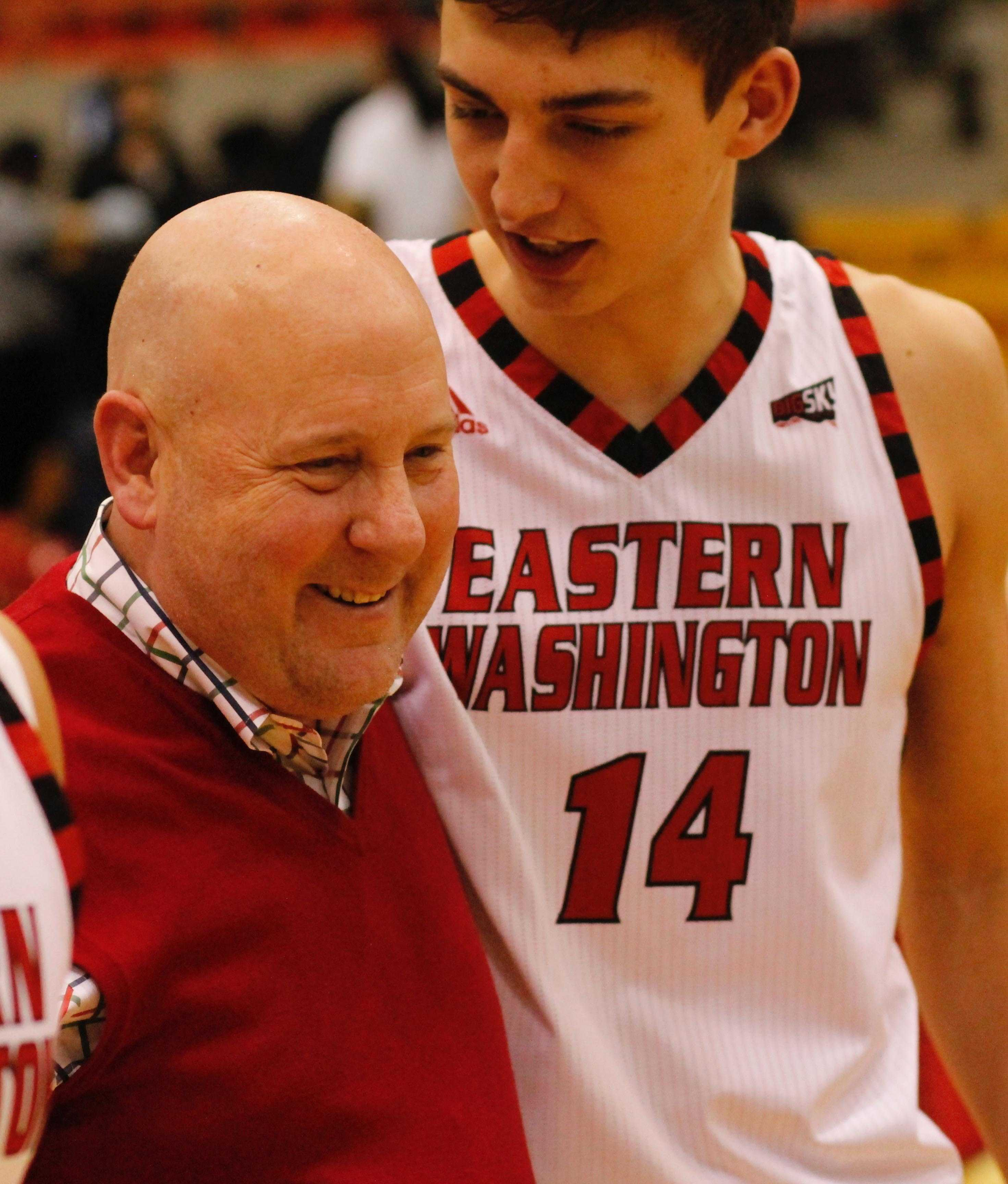 Coach+Jim+Hayford+celebrates+with+his+team+after+a+3+overtime+win+against+Portland+State%2C+Feb.+4%2C+2017%2C+at+Reese+Court.