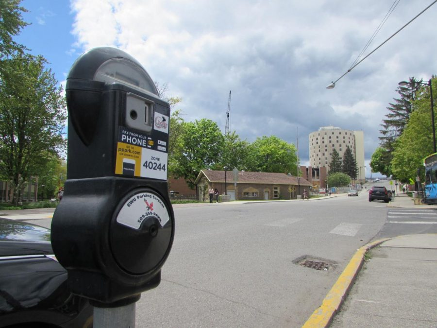 An EWU Pay-by-App parking meter | The Easterner Archives