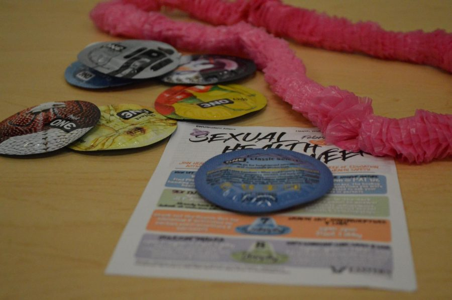 Condoms+and+flyers+at+the+Condomania+event+held+by+EWU%27s+Health+and+Wellness+%7C+Sam+Jackson+for+The+Easterner