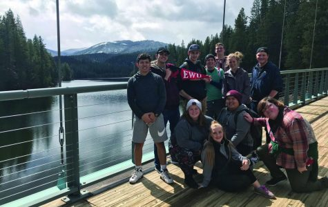Students of the Alternative Break Club pose for a photo around Lake Siskiiyou near Weed, California:(Left to right, back row first) Alex Martinez, Dalton Emerson, Matt Watkins, Willie Stoutzenberger, Garrett Harty, Baylee Buchanan, Noah King ; Shelby Shackelford, Jonny Vorachak, Sarah Colerick and Dakota Mullikin | Photo courtesy of Anna McNamara