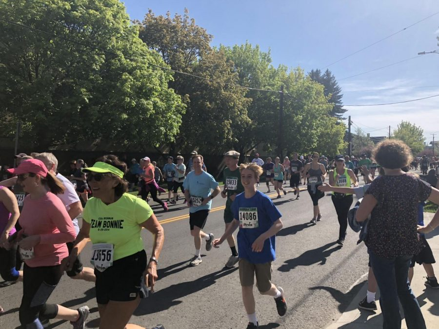 Runners+participate+in+the+42nd+annual+Bloomsday+race.+The+7.46+mile+had+over+40%2C000+runners+sign+up+%7C+Kelsey+Magnuson+for+The+Easterner