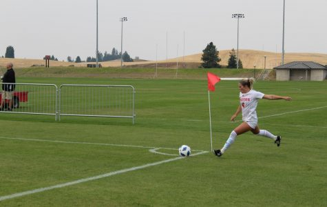Senior forward Allison Raniere performs a corner kick in the first half of EWU's 2-1 victory over Grambling State on August 26. Raniere would later have the game winning goal | Jeremy Burnham for The Easterner.