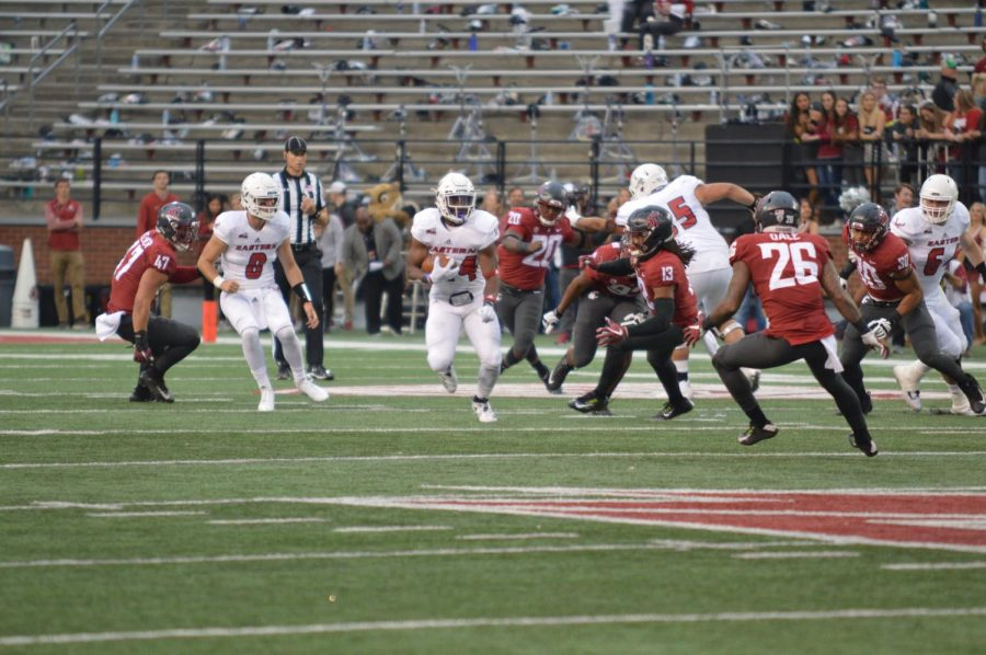 EWU+RB+Tamarick+Pierce+finds+some+open+space+during+EWU%27s+59-24+loss+to+Washington+State+on+Sept.+15+%7C+Bailey+Monteith+for+The+Easterner