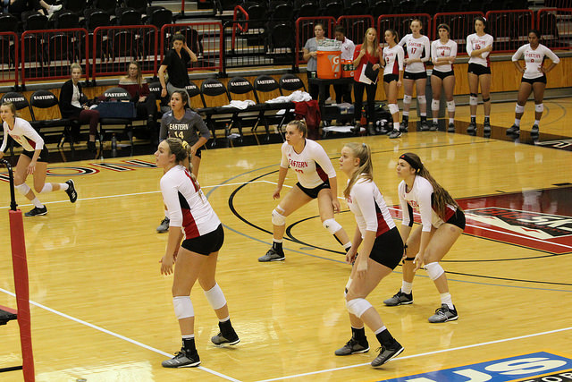 The EWU volleyball team awaits a serve from Sacramento State on Oct. 6. The Eagles lost the match 3-0.