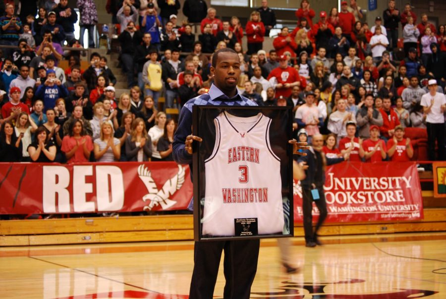 EWU+honors+Rodney+Stuckey+by+retiring+his+No.+3+jersey+in+2009.+Stuckey+averaged+over+24+points+per+game+during+his+time+at+EWU.