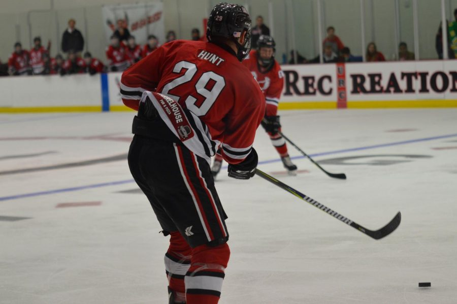 Hunt receives the puck against Oregon on Oct. 5. Hunt scored two goals in the Eagles 3-2 win over the Ducks.