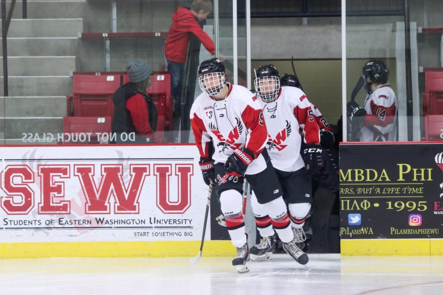 Sophomore+forward+Bobby+Larue+takes+the+ice+in+a+home+game+on+Nov.+9.+EWU+has+the+best+win+percentage+in+the+PAC-8+this+year.