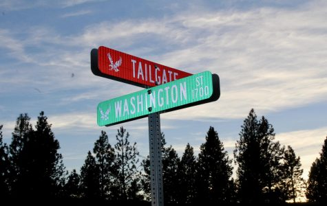 New street signs provide easier navigation across campus
