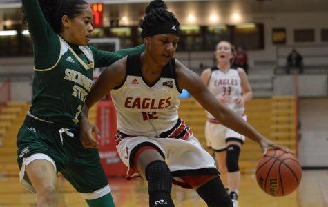 Eagles' late comeback run falls short
