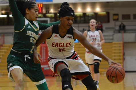 Eagles' late comeback run falls short
