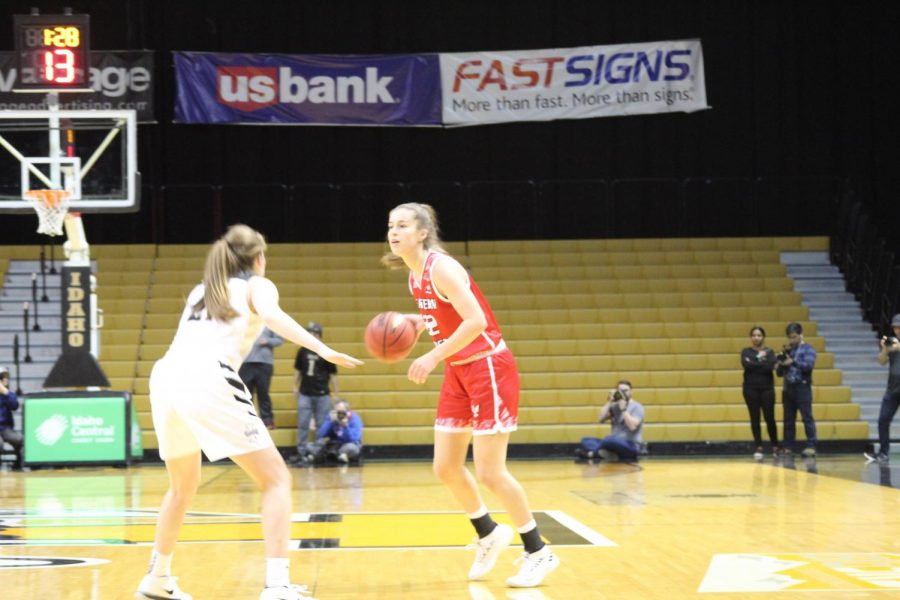 Sophomore guard Brittany Klaman handles the ball in the first half of EWUs 84-68 loss to Idaho. Klaman finished with 10 points, two assists and a steal.