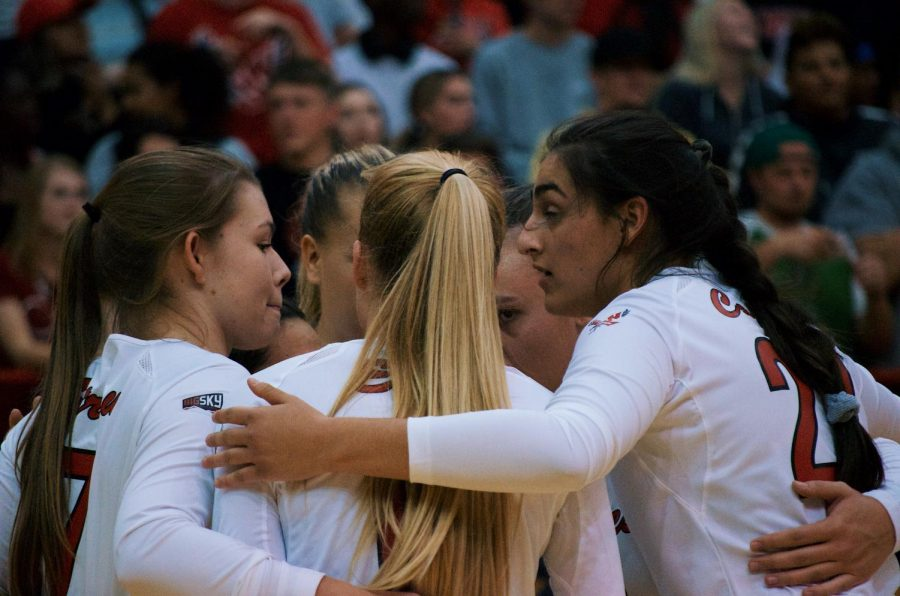 EWU huddles after a point is scored. The Eagles fell to Sac State in four sets Thursday.