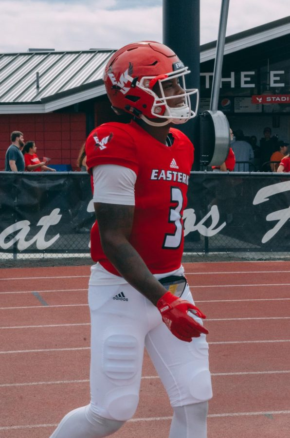 EWU+junior+quarterback+Eric+Barriere+walks+onto+the+field+on+Sept.+7.+Barriere+missed+five+offensive+series+in+EWU%27s+48-27+loss+at+Sac+State+Saturday.+