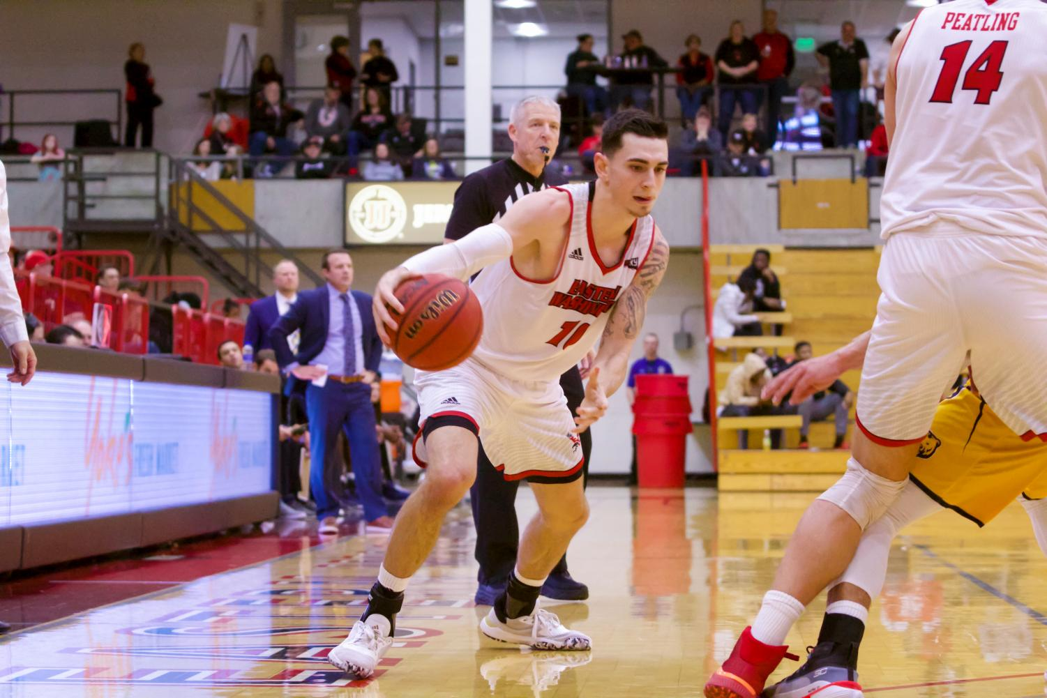 EWU junior guard Jacob Davison attacks the perimeter. Davison scored 20 points in EWU's 89-84 victory over Northern Colorado Monday.